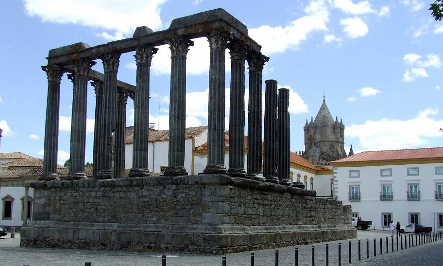 Portugalia ruiny Evora